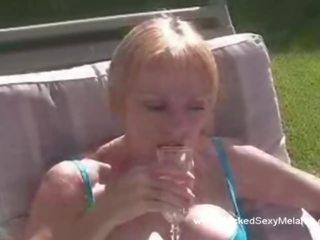 Plezier pijpen met vintage oma, gratis porno 79
