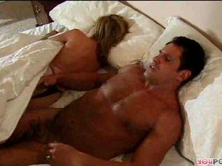 Romantic action sa bed