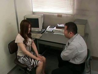 brunette, skinny, kontor