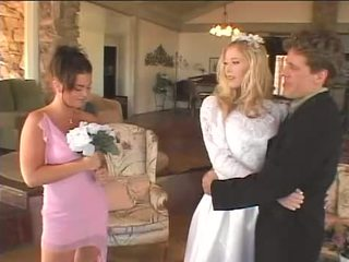 新娘 品牌 她的 女傭 的 honor 高興 再次