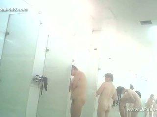 Peeping chinese public baths.3