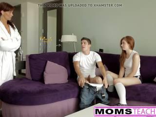Rūdmataina māte un pusaudze meita nokļūt nerātnas ar dzimumloceklis.