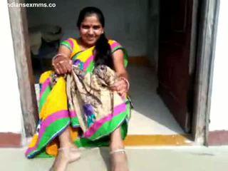 Desi aunty पुसी प्रदर्शन और bj हिस्सा 1 सब