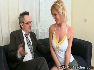 Coada fucks professor pentru passing calitate