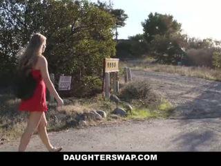 Daughterswap - ホット 少し ブロンド キャッチ webcamming バイ bffs お父さん pt.2