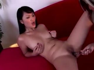 Aziýaly hotties evelyn lin and pal keýpini gör a strap on slit slamming
