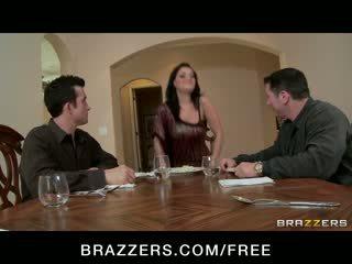 Charley chase - besar dada rambut coklat has double penetration seks tiga orang pesta liar dengan bos