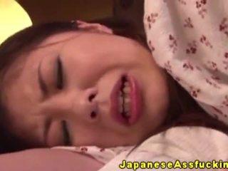 Aziatisch japans rijpere in anaal spelen