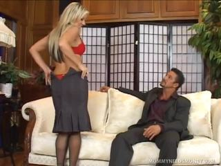 Carolyn Reese Craves Some Alpha Male Knob