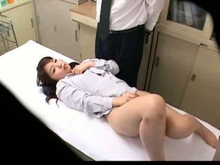 Spycam studentessa misused da dottore 3