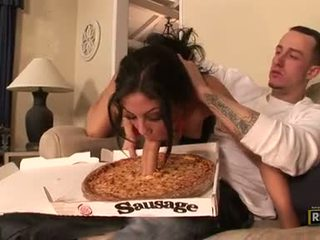 Charming сексуальна eva ellington munches a жорсткий pecker в її рот подібно a sausage