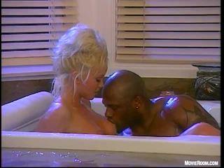 Interracial baise pour silvia saint