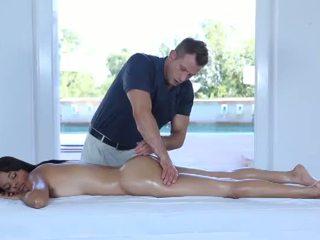 Nóng khiêu dâm massage vì một rất dễ thương 18yo thiếu niên
