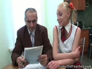 Dumb thiếu niên cô gái tóc vàng has lừa qua cô ấy giáo viên