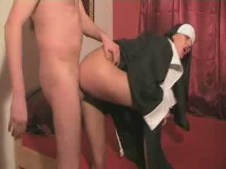 Amatir biarawati apaan