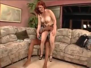 Poilu mature interracial avec derrière sexe!
