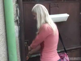 Czech amateurs squirting uma likes it hard