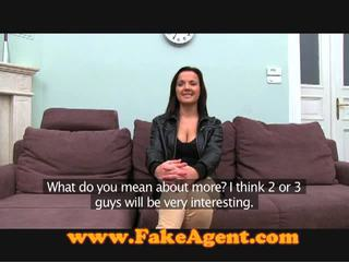 Czech brunette comes to the fake agent for work