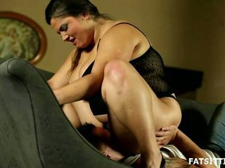 Massive And Horny Leny Facesits Her Obedient Bondman