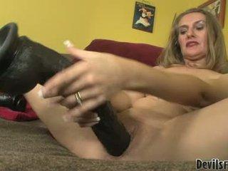 Sarah james זיון ו - למצוץ על ידי שלה gigantic סקס צעצועים