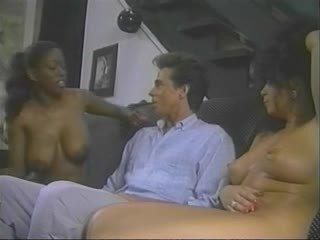 milfs porno, een wijnoogst thumbnail