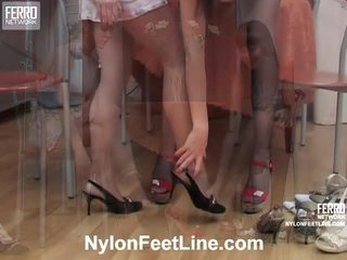 Alina และ catherine ถุงน่องแบบมีสายรัด เท้า การกระทำ