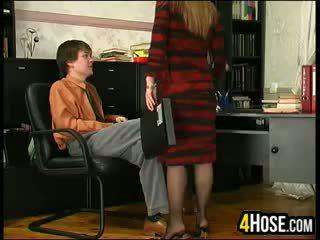 Penis di belahan dada ibu kacau oleh putra di hukum
