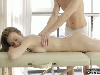 Sexy Teen Babe Massage Action With Cumshot On Ass