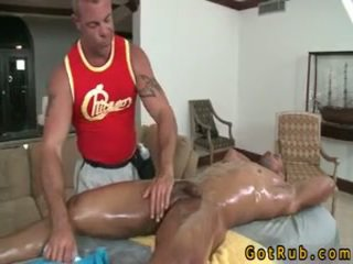 Latin étalon gets schlong sucked 9 par gotrub