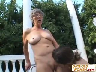 Friki de naturaleza muy viejo mujer