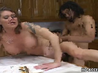 Hardcore follando en la cocina con kayla quinn vídeo
