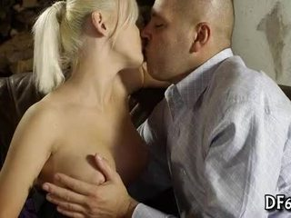 vol wit tube, mooi jong porno, zuig- actie