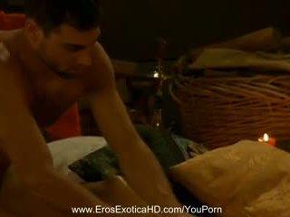 Erotyczny seks positioning z india