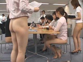 Bukuroshe aziatike secretaries are working