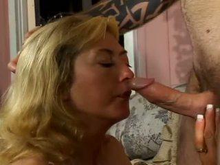 Porner premium: stiff jeune boner bashing énorme seins vilain milf