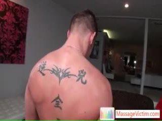 Shane getting massage tại tất cả các ngay places qua massagevictim