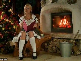 Nikky Thorne Fucking Nearby Santa