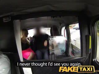 Faketaxi caldi sexy taxi sesso a quattro gangbang