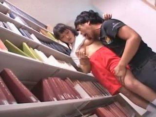 Depilada cona asiática aluna teased em o biblioteca