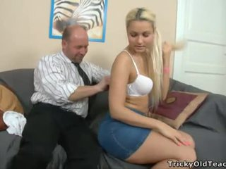Hot beauty is getting drilled