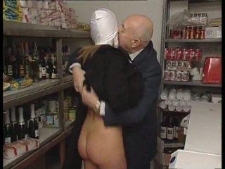Черниця & брудна старий людина. немає секс
