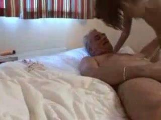 Vectēvs un sahara knite