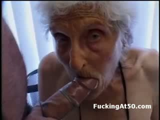 Senile wrinkled garry gives agzyňa almak and is fucked by deviant däli samsyk