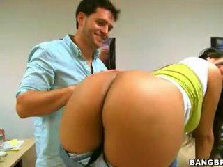 Bethany benz pecker licking į jos partner