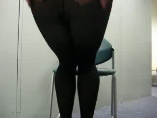 Mustanahaline sukkpüksid kättelöömine