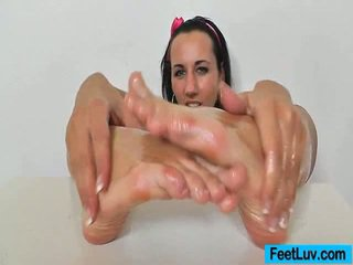nice brunette, foot fetish, foot rated