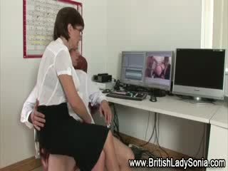 Older woman gets sucking for cock
