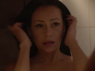 Lara Tinelli - Massage Oil Shower Squirting