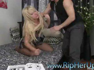 Seksi carrie beasley ripped sehingga & terpaksa raped (hd) www.forcevideos.com