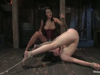 Alexa Von Tess Has Toyed And Pinched By Sandra Romain